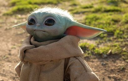 Baby Yoda Life-Size Replica Is Incredibly Realistic