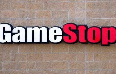 GameStop Closes Retail Storefronts But Will Offer Curbside Pickup