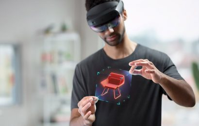 """Microsoft Expands HoloLens 2 Availability, """"tens of thousands"""" Shipped"""