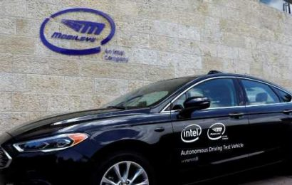 Mobileye demos self-driving car that uses cameras to get around