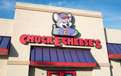 Chuck E. Cheese, Beloved Rat-Themed Children's Casino, Has Filed For Bankruptcy